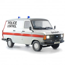 ITALERI FORD TRANSIT UK POLICE