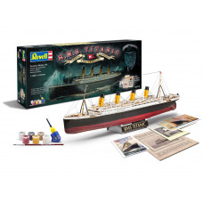 REVELL 100TH ANNIVERSARY OF THE TITANIC 1:400